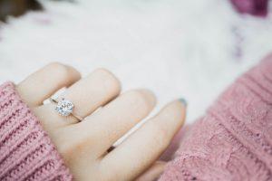 婚約者が既婚者か調べる